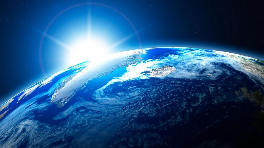 Солнце над землёй